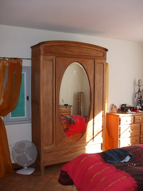 Reconditioned Wardrobe- France