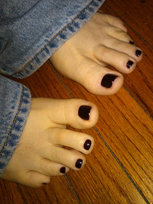 What do people with foot fetishes do