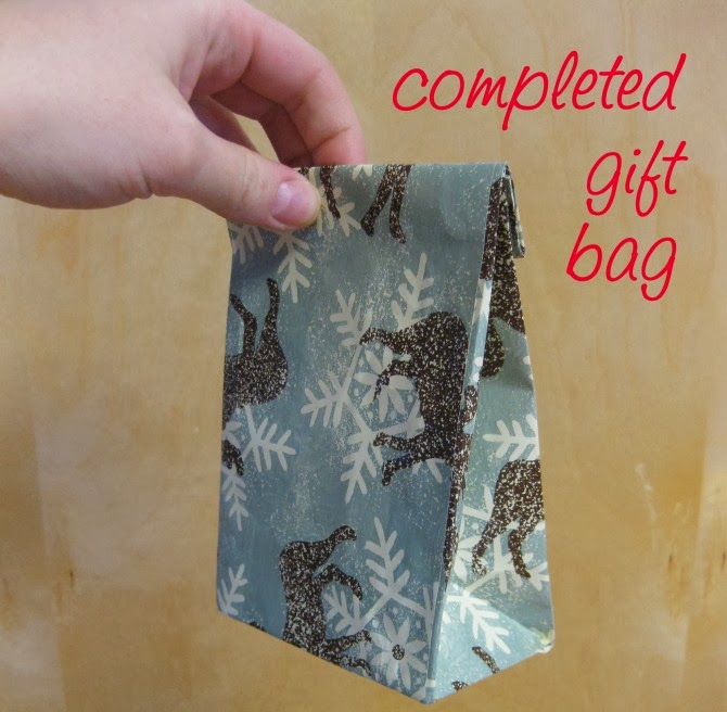 Gift Bags Out Of Wrapping Paper - DIY Craft Projects