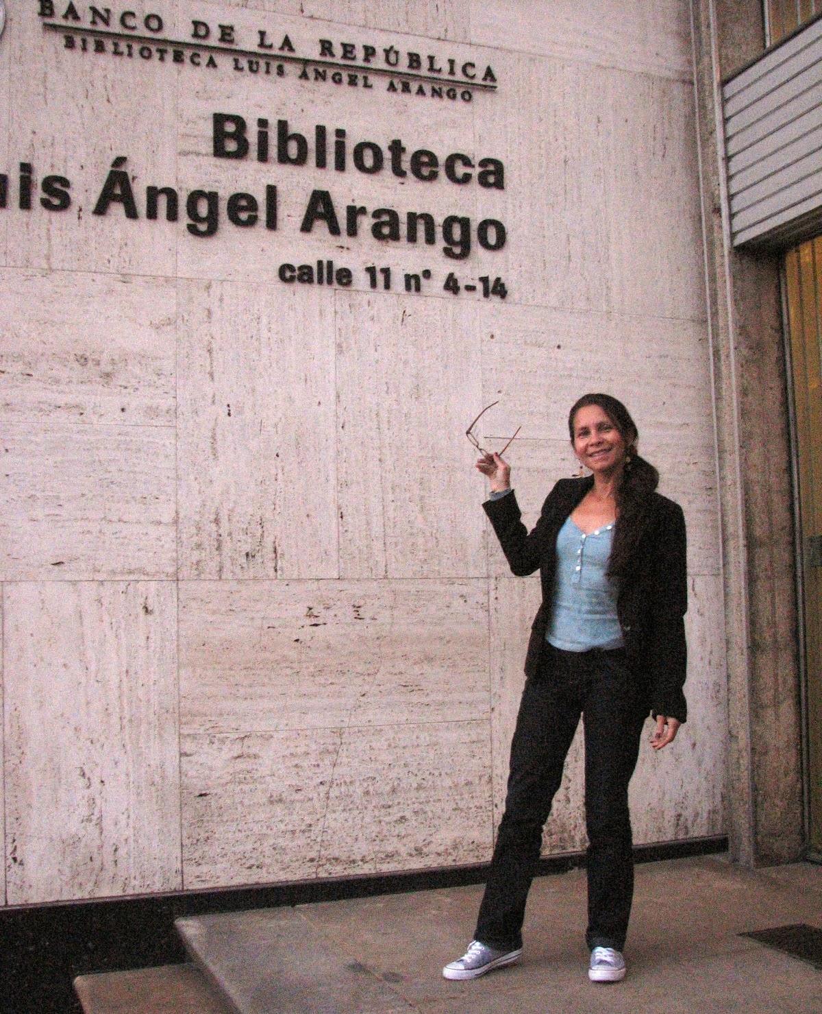 luis angel arango biblioteca: