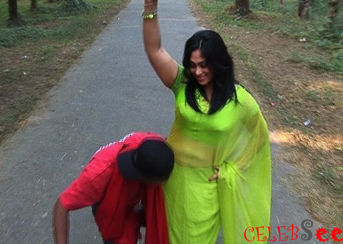 Bangla Popy Sex http://celebsview.blogspot.com/2012/07/popy-with-other-bd-celebs_8.html