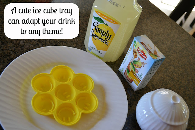 Arnold Palmer lemonade ice cubes with Lipton Tea & Honey packets #FamilyTeaTime