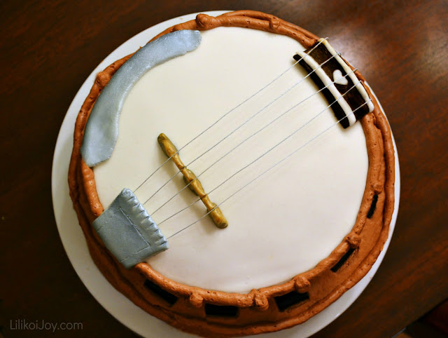 Banjo Birthday Cake