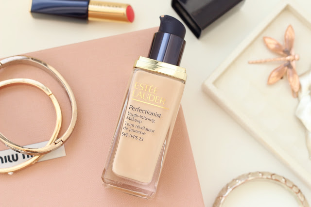 Estée Lauder Perfectionist foundation