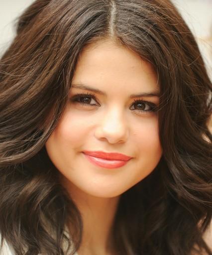 Selena Gomez Pregnant