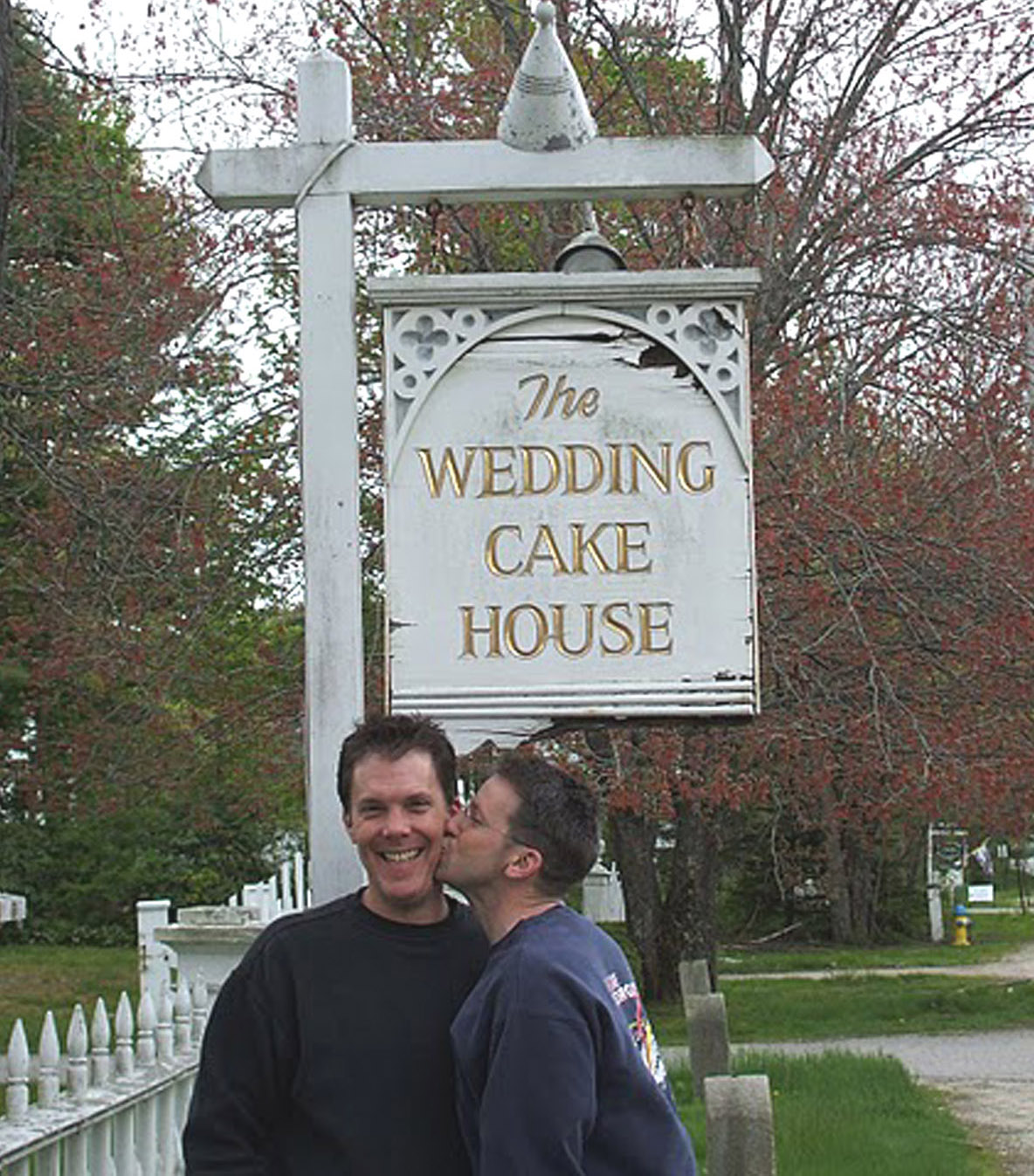 tom rob wedding cake house maine