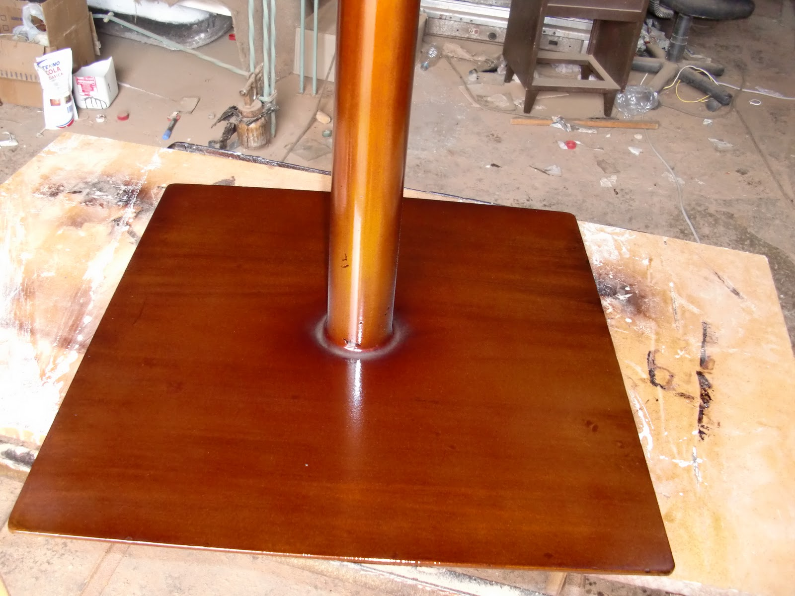 Decoraciones manualidades en madera acabados y decorados for Como pintar puertas de sapeli