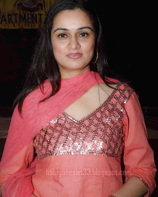 padmini kolhapure in saree - photo #31