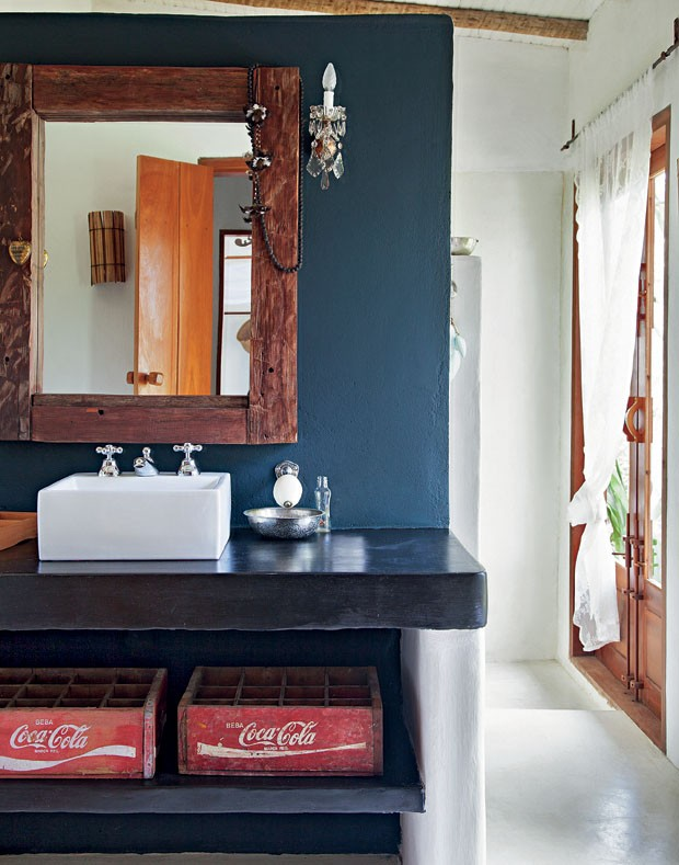 Nostalgia in bagno for Muebles de bano de obra rusticos
