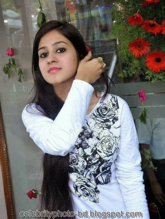 Deshi+girl+real+indianVillage+And+college+girl+Photos065