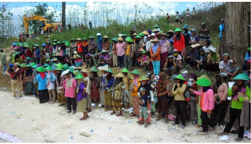 Warga Rembang Tolak Pendirian Pabrik Semen di Pegunungan Kendeng
