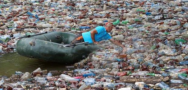 мусор на реке Боржаве