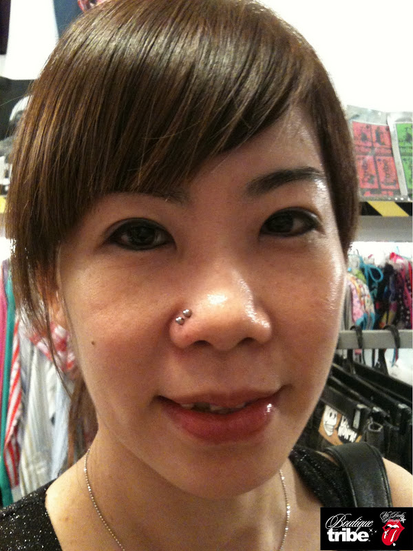 Double Nose piercing title=