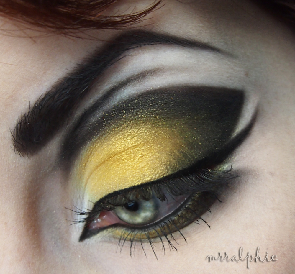 Bumble Bee Makeup http://mrralphiesmadhouse.blogspot.com/2012_05_01_archive.html