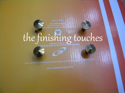 painting hardware, painting knobs, painting drawer pulls