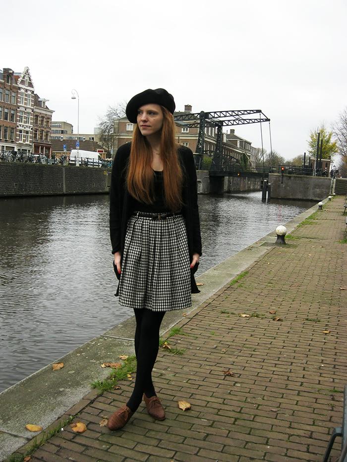 vintage pied de poule houndstooth shoes beret baret outfit blogger
