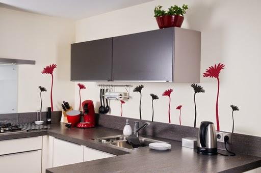 Decotips renovar la cocina con un presupuesto low cost for Vinilos pared entera