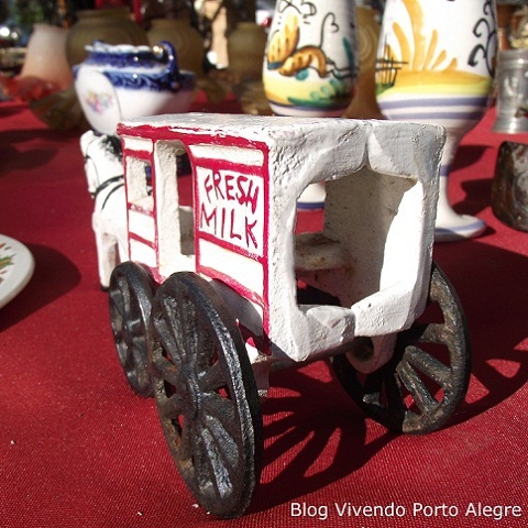 Object of decoration in an antique fair outdoors in Porto Alegre, RS, Brazil
