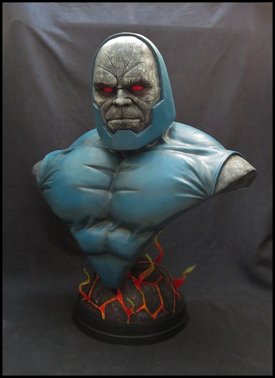 A vendre : Darkseid Lifesize