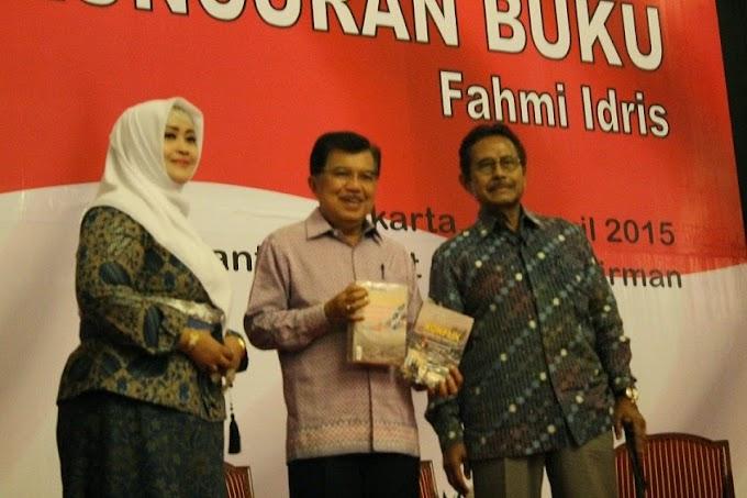 Fahmi Idris Luncurkan Dua Buku