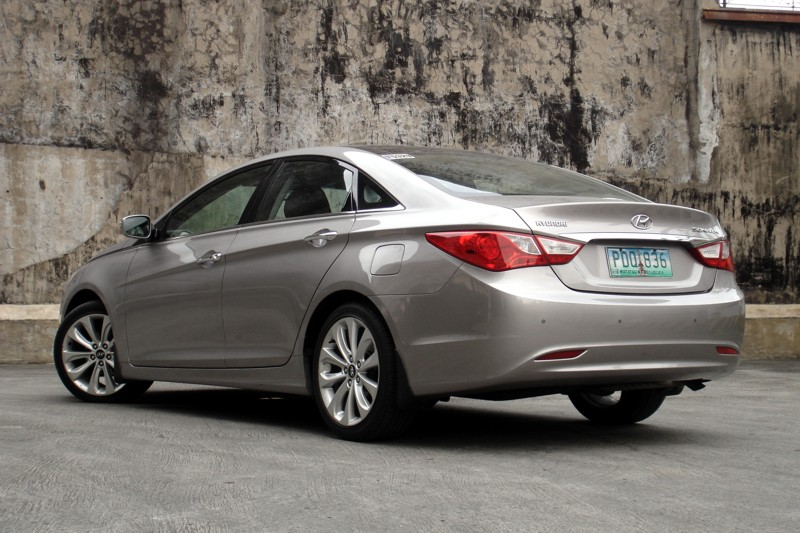 review 2012 hyundai sonata 2 4 gls premium philippine car news car reviews automotive. Black Bedroom Furniture Sets. Home Design Ideas
