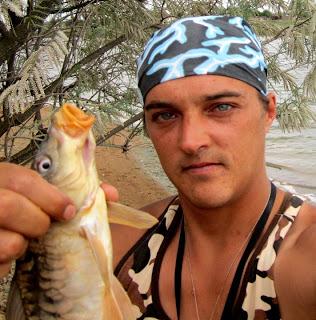 ловля сазана в пруду