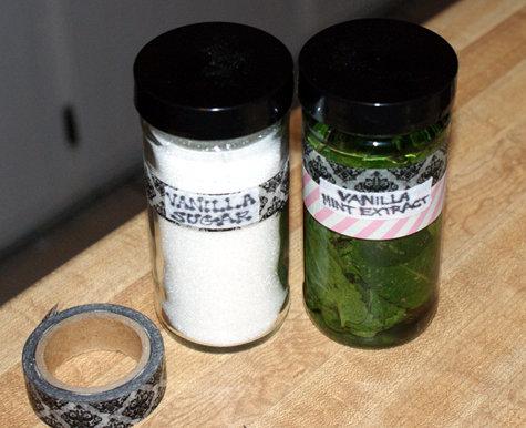 DIY Vanilla Mint Extract Recipe and DIY Vanilla Sugar Recipe