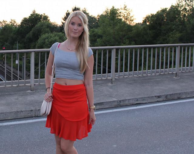 TheBlondeLion Look Tomatored skirt Triple Bag Zara Mango