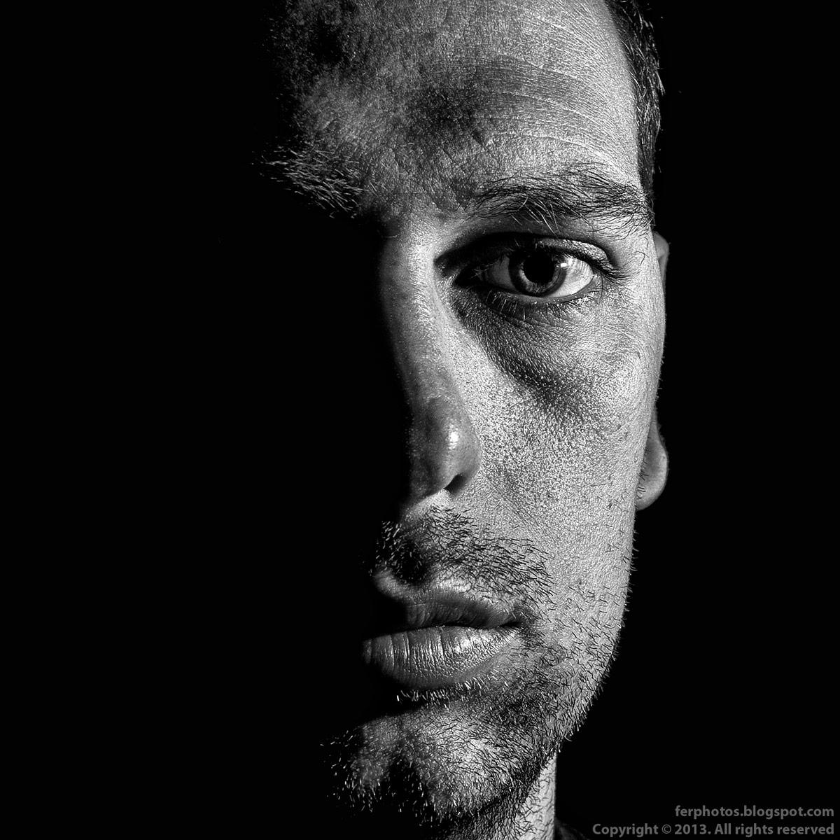 self portrait Fernando Moledero black and white bw strobist
