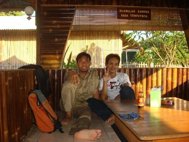 Bersama temanku, Hasan Pengusaha PS