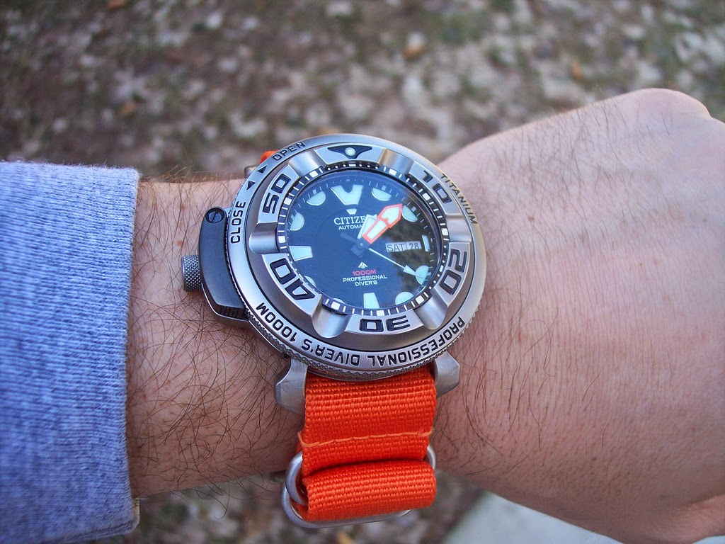 In search of the perfect watch what navy seals really wear hint they don 39 t wear luminox for Watches navy seals use