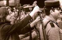 El 25 de abril de 1974 la canción Grândola, vila Morena inicia la Revolución de los claveles