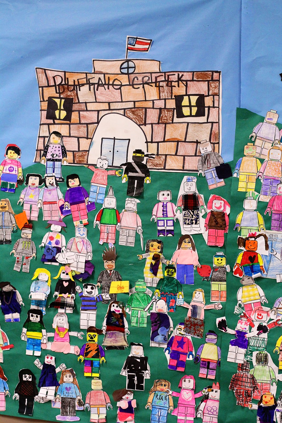 smART Class: Lego Group Whole School Mural