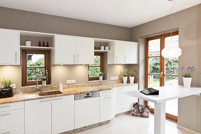 Küchentüren erneuern und dabei die Granitarbeitsplatte erhalten