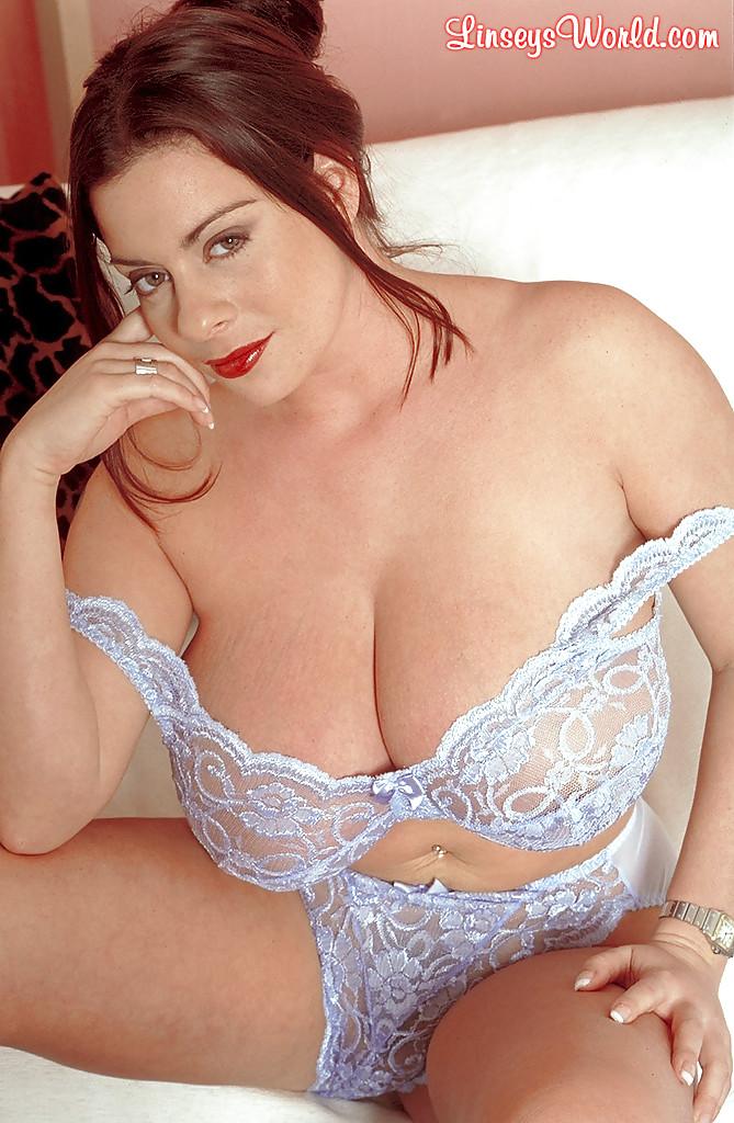 Порно фото большая грудь в лифчике