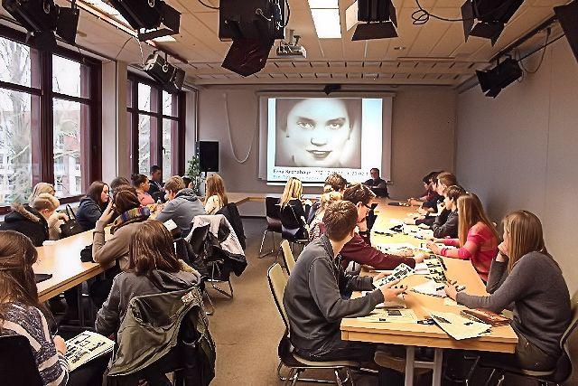 """WORT & BILD   Doku-Bericht u. Diskussion zur NS-""""Euthanasie""""   Erna Kronshage"""