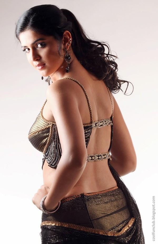 Indian Actress - Deeksha Seth in Saree Juli 2013