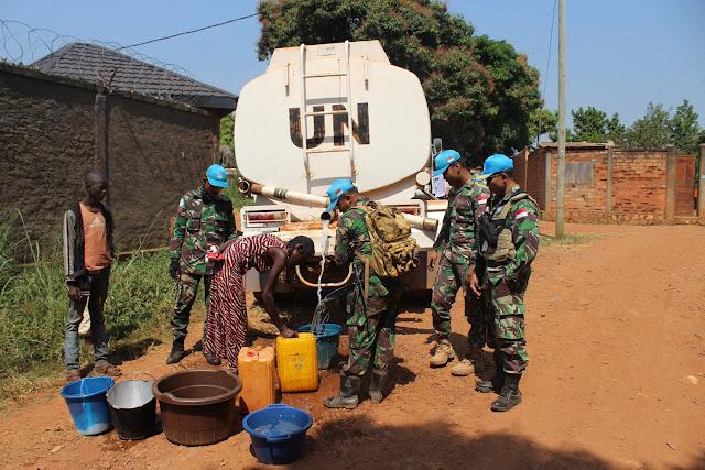 Satgas Kizi TNI Bantu Air Bersih untuk Warga Lokal Afrika Tengah