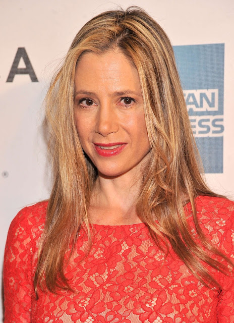 Mira Sorvino Height, Weight And Body Measurements