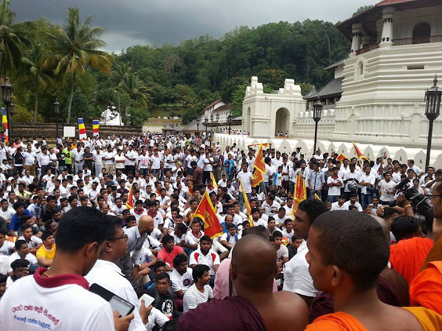 Tense situation erupts between Police And Sinhale in Kandy