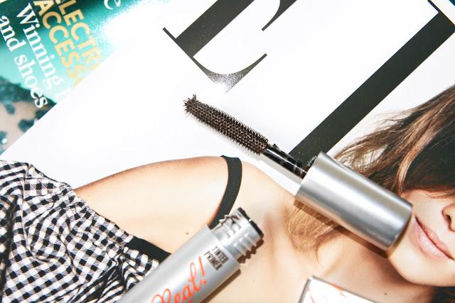 Katherine Penney Chic Elle Magazine Benefit Mascara Freebie Primer New