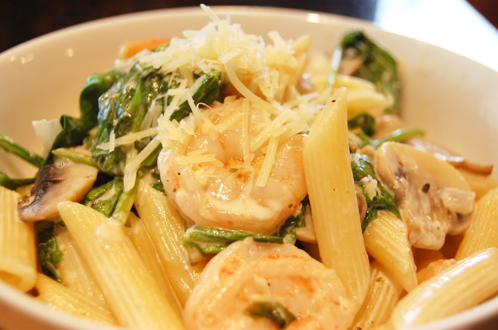 ... Food!: Shrimp and Vegetable Alfredo (A lighter and Healthier version