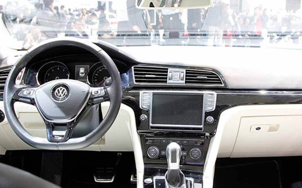 Nova VW Jetta chega em 2017 maior e mais tecnológico | CAR.BLOG.BR ...