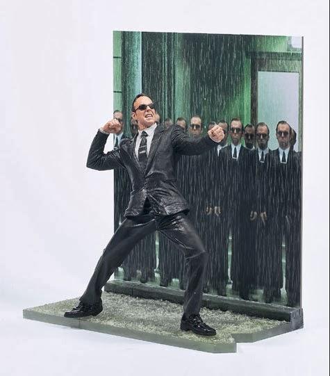 Figura Agente Smith Matrix McFarlane