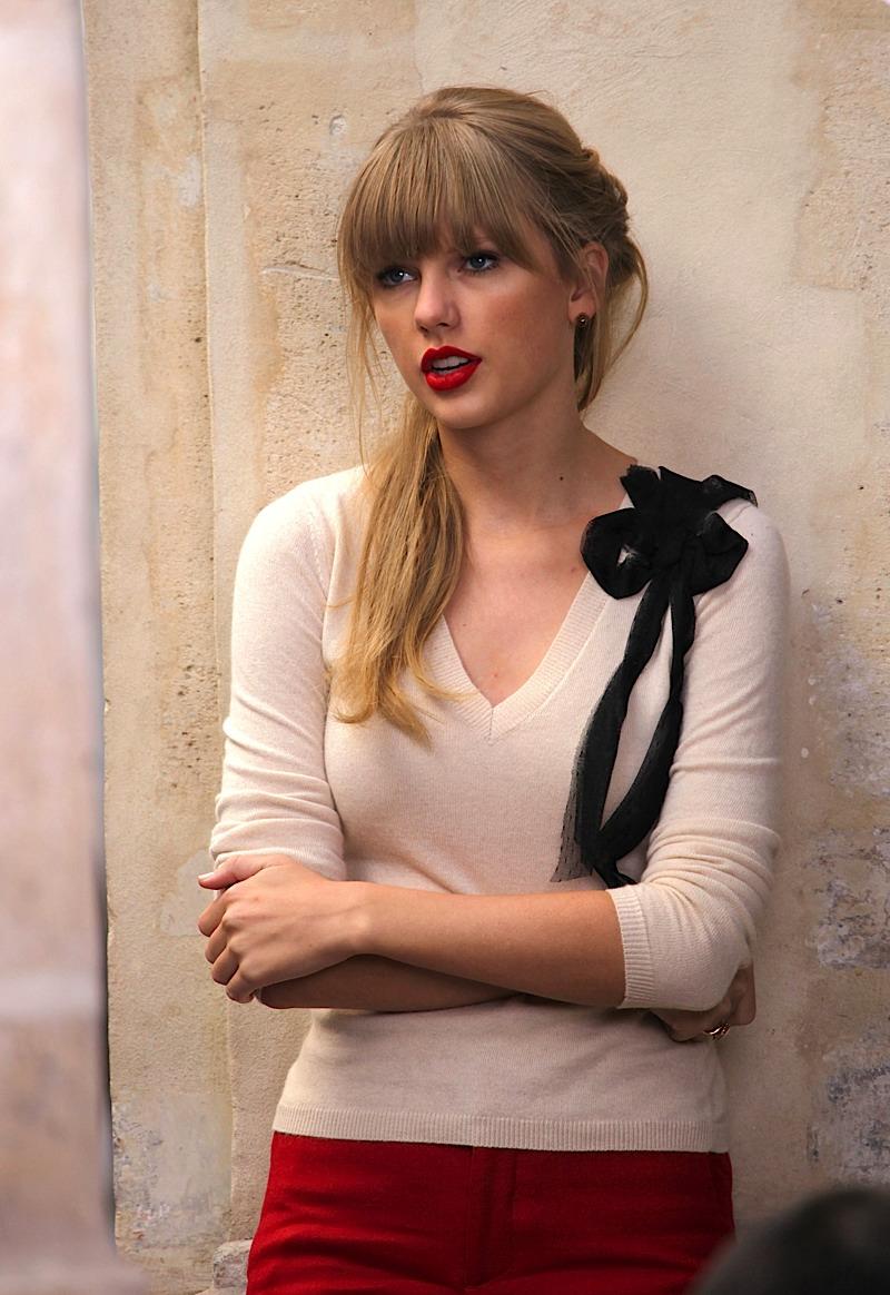 Taylor Swift Quot Begin Again Quot Lyrics Online Music Lyrics