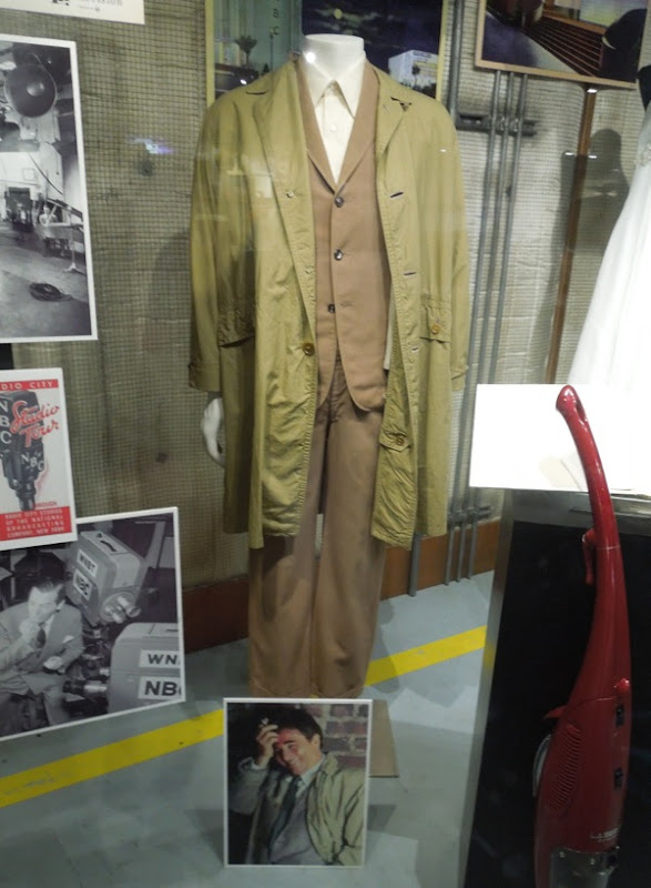 Peter Falk Columbo costume