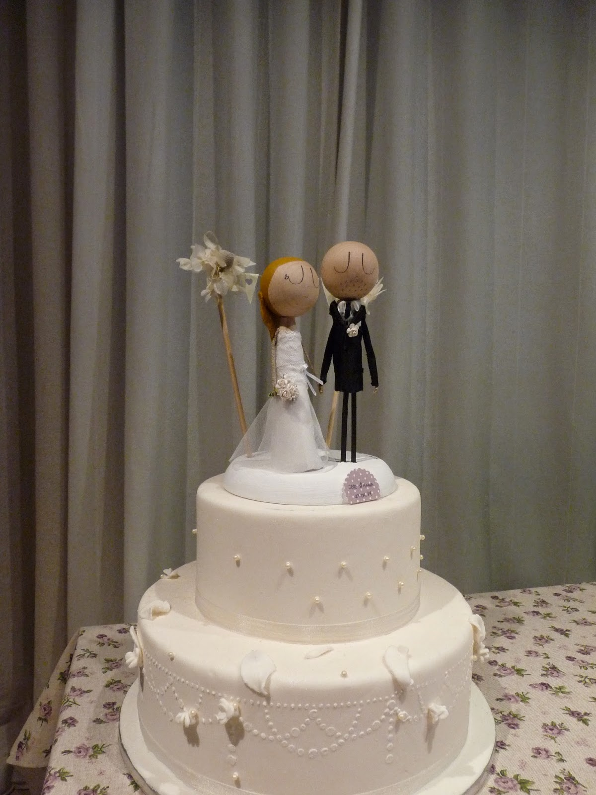 pronovias, novios pastel personalizados, figuras tarta, muñecos pastel, novios, novios originales, novios con encanto, wedding cake, topper cake, cake topper, bride,novia, novio, vestido novia, muñecos pastel personalizados, tarta boda, pastel nupcial, prometidos, nos casamos, novios de pastel elegante, con encanto, maleta, viaje de novios, ramo de novia, peinado novia, corbata novio, restaurante bodas, mrymrsbyani, mr&mrsbyani, wedding topper cake, jordi anguera novias, jesus peiro
