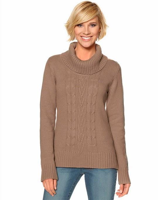 Женский свитер с воротом