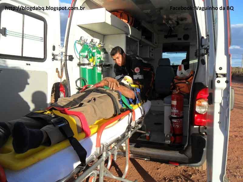 SAM 1514+cópia Motorista perde o controle em ultrapassagem e carro capota várias vezes em Minas Novas MG