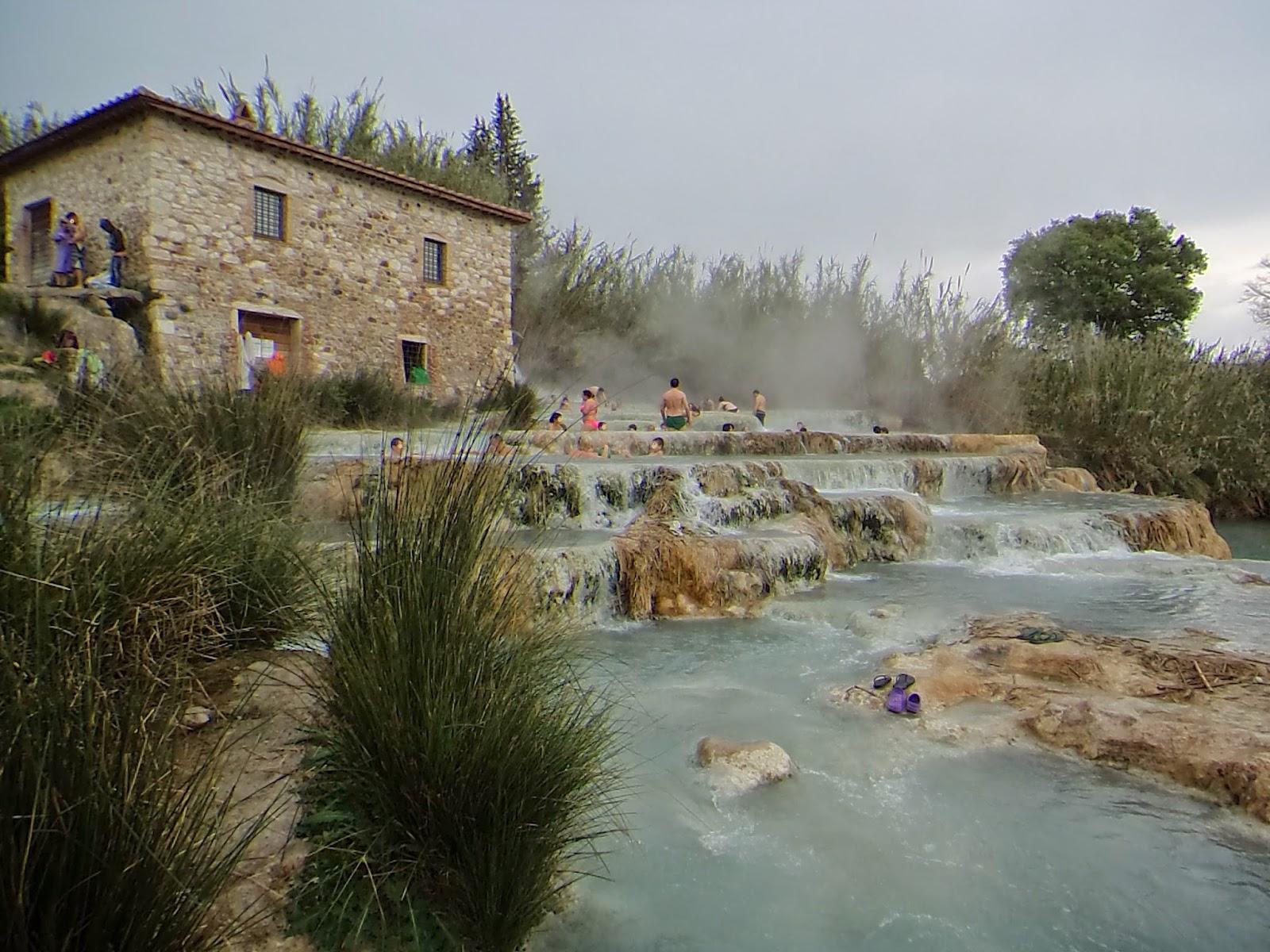 A destra e a manca terme di saturnia le cascate del - Bagni di saturnia ...